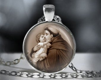 St Anthony Christian Catholic Necklace - Religious Medal Pendant. FREE Shipping