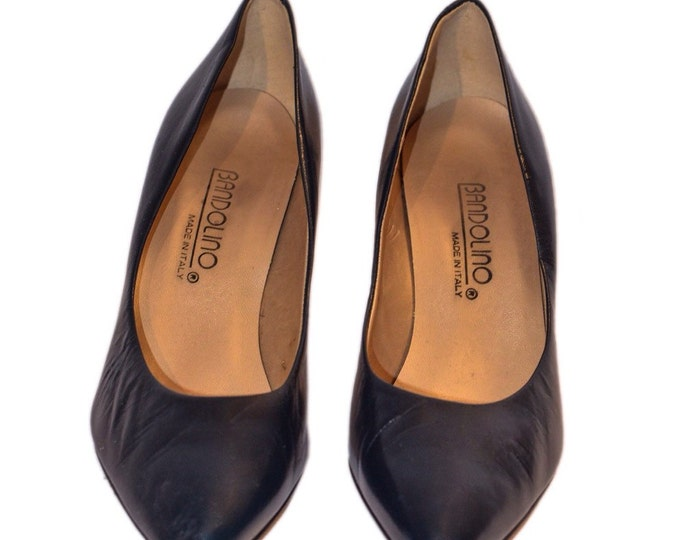 Bandolino Vintage Estate Navy Blue Leather Heels Size 7.5