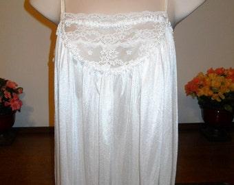 kayser vintage romantique chemise de nuit longue par oohlalingerie. Black Bedroom Furniture Sets. Home Design Ideas