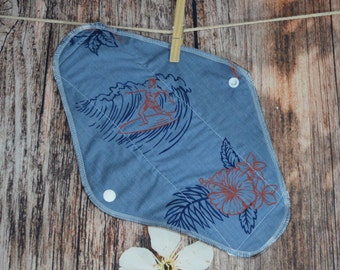 11.5″ Large Pad – Moderate to Heavy Flow – Surfing Man