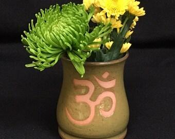 Sanskrit Om Vase