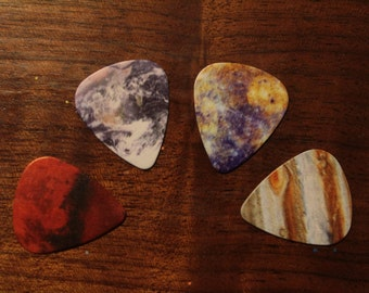 4 PLANET guitar picks