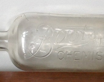 Vintage Boots The Chemist Bottle. Collectible Glass. 1920's.