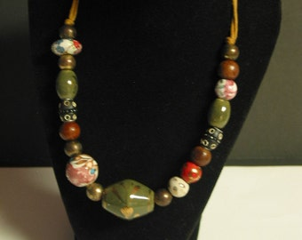 Beautiful Vintage Glass Bead Necklace With Adjustable Strap