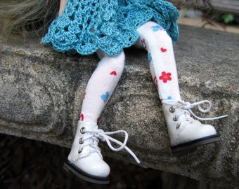 Floral Blythe doll tights, cute blythe leggings, flowers and butterflies tights, hip doll clothes, 12 inch doll tights, blythe gift
