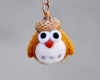 Needle felted owl keychain, owl miniature keychain, amigurumi keychain, keyholder