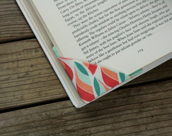 2 corner bookmarks - Leaves