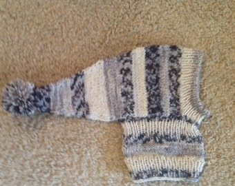 Pointy hat for Italian Greyhound or other small dog! Fair Isle Imprim Gris