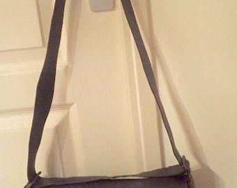 Longchamp, sac besace bandoulière ou porté épaule, en cuir couleur marron