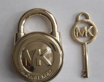 Lock and key replacement for handbags