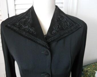 Vintage 1940s buttoned down black dress