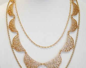 Set of 3 Layered Gold Plated Chain Necklace.