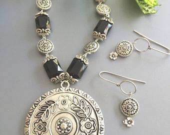 Silver Pendant Necklace Set