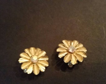 Vintage Gold Flower Rhinestone Earrings Costume Jewelry