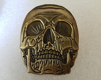 Antique gold Skull 3d pin