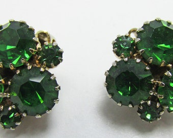 Vintage 1950s Gold Toned Peridot Colored Rhinestone Earrings