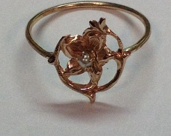 Vintage Art Nouveau 10k Yellow Gold Flower Pearl Ring