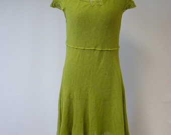 Amazing green linen dress with art deco string linen decoration, M size.