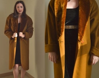 SALE! - Vintage Brown/Green Coat with Fur Collar (Size 8/10)