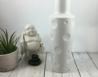 Schwarzenhammer Vase,Mid Century Mod,design,Bavaria,porcelain,1960s,white,porcelain,vintage,thumbprint,birthday gift ideas,modern decor