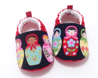 Matryoshka Dolls Baby Shoes - Red, Soft Sole Baby Shoes, Booties, Toddler slippers, babushka baby shoes, baby shower gift, baby girl