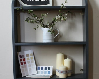 Shabby chic bookcase shelf
