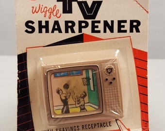 1960s Sixties Wiggle TV Television Pencil Sharpener, Basketball, Hoops, Original Package Packaging, 1963 Sterling Plastics Co. Union NJ, SP