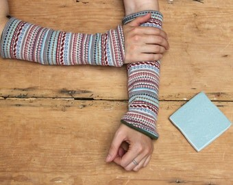 Vegan reversible armwarmers made from hand dyed hemp fleece and cotton