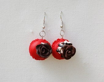 """Red badge and its flower"" earrings"