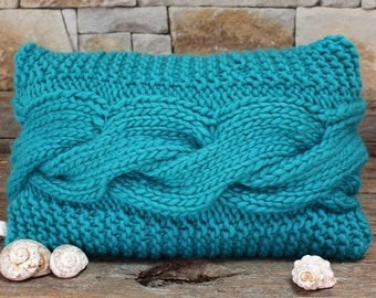 Knitted Turquoise Cable Bed Pillow Cover. Turquoise Cable Pillow. Chunky & funky. Aran Cable Pillow. Chunky knit pillow. Decorative pillow.