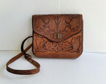 Vintage boho bag/ hand tooled leather /shoulder bag/ 70's/gorgeous
