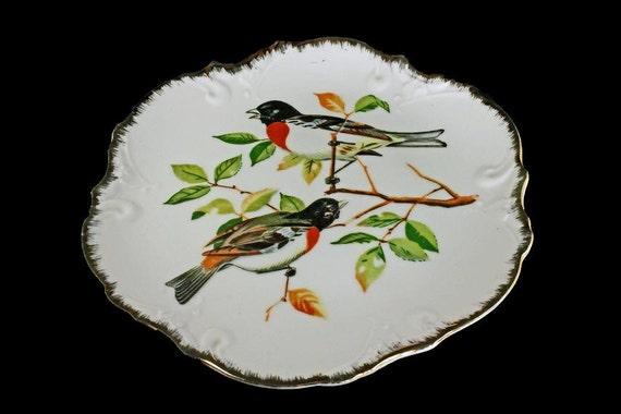 Bird Wall Plate, Decorative Plate, Collectible Plate, Wall Decor, Gold Trim, Rose-breasted Grosbeaks