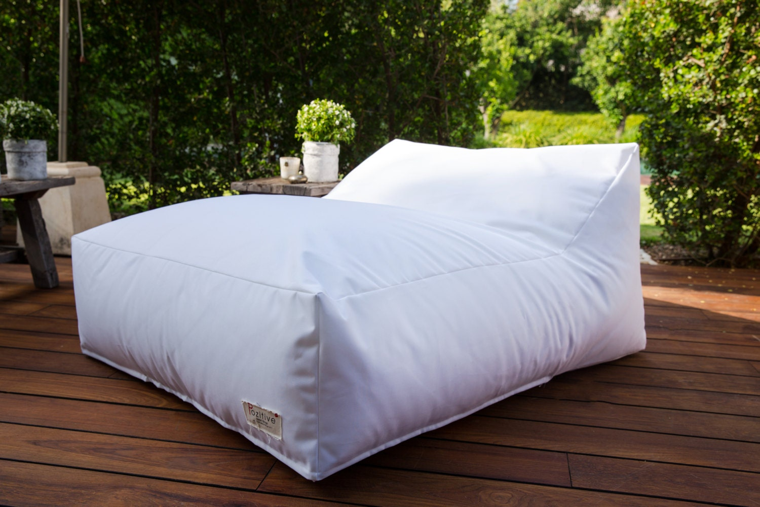 white bean bag chair outdoor large pouf outdoor floor. Black Bedroom Furniture Sets. Home Design Ideas