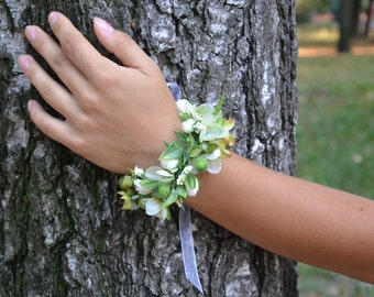 Flower corsage Prom flower corsage Bridesmaids flower corsage Flower bracelet Wedding flowers Wrist corsage bracelet Wedding corsage