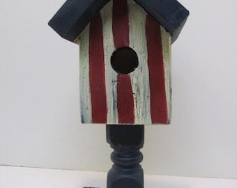 Patriotic Pedistal Birdhouse