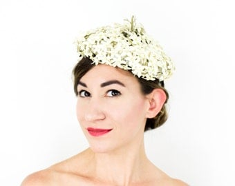 50s White Flower Fascinator | Gene Wakefield