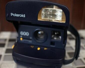 Polaroid 600 Round Instant Camera