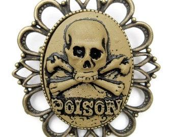 Retro vintage cameo brooch poison rockabilly pin up horror punk steampunk