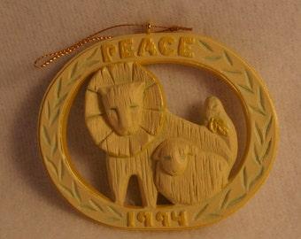 1994 Hallmark Keepsake Christmas Ornament Time of Peace Lion Lamb New