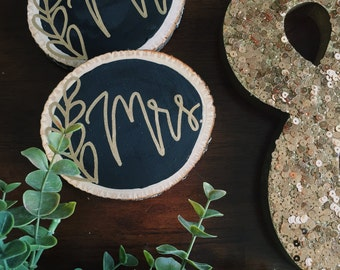 Mr. and Mrs. Wooden Coasters// Wood Slice Coasters// Rustic Wedding Gift// Engagement Gift// Rustic Drinkware// Couples Shower Gift