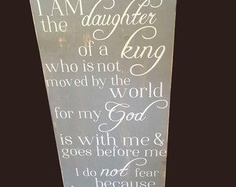 Wood Christian sign - I am the daughter of a king - Wood inspirational sign - wood Christian decor - Christian wall art - gift for her