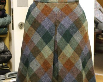 Vintage Handmade Multi-coloured Woolen Skirt with a Front Pleat