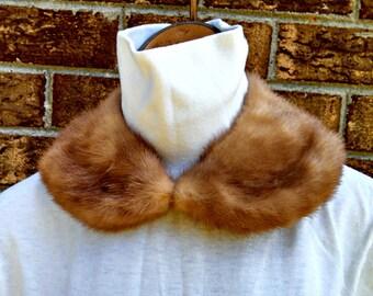 Vintage Detachable Fur Collar, Red Fox Choker Collar with Hook and Eye Clasp, Satin Lining, Mid Century Fashion, Circa 1950s
