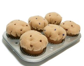 Felt Muffin Set of 6 - pan included, gift packaged!! eco-friendly felt play foods - washable and durable!