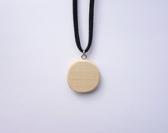 TERRILL TACTILE Round Maple Necklace