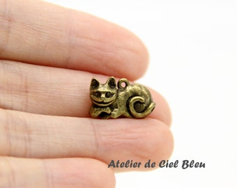 Cat Charm, Cheshire Charm, Antique Bronze Cat Charm, Mini Cat Charm, Alice in Wonderland Cheshire Cat Charm, Alice Charm