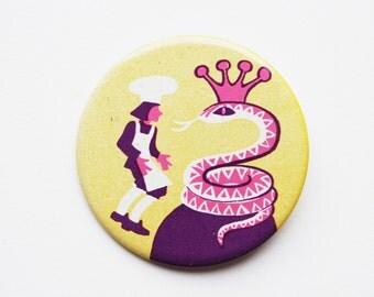 Vintage 6 cm (2.36'') chef cook fairytale pin brooch badge token clasp pinion tin aluminum cordon band medallion folklore