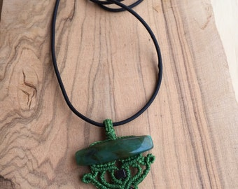 Macrame pendant with AGATE