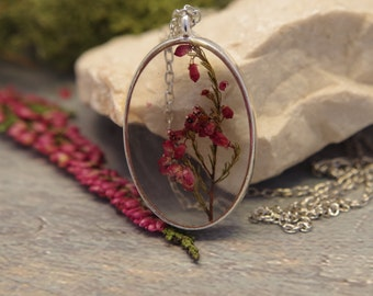 Real flower necklace Flower resin pendant Pressed red flower necklace Dried flower pendant Flower jewelry  Plant necklace  Natural necklace