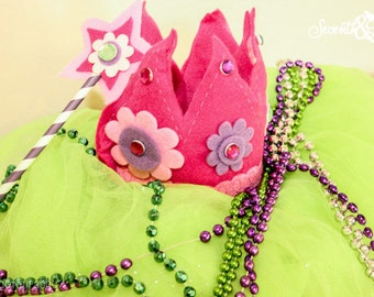 Create Your own Felt Crown and Wand - Little Girls Craft Kit - Pricess Crown - DIY - Party Supply - Party Favor - Craft with the Kids